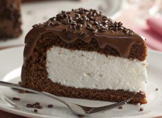 Surpreenda seus convidados com um maravilhoso bolo Nhá Benta®. Prepare para o seu aniversário e faça da festa um momento inesquecível!