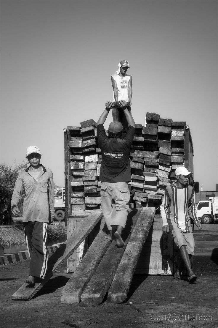 Loading up the timbers at the port of LabuhanLombok | on the eastern shores of Lombok
