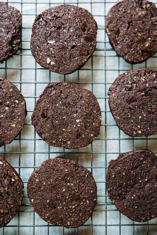 Chocolate Freeze 'N' Slice Cookies & Kokosnuss Caramel Sundaes
