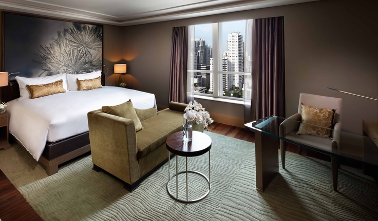 http://www.sofitel-sukhumvit.com #Magnifique Luxury room (king-bed) - A warm and elegant city view room from 37m² (398 sqf.), featuring a SMART LED #TV and a #Bose Wave Music System. Free #WiFi provided.