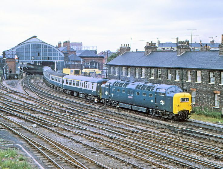 D9018 'Ballymoss' at Stockton in April 1970.