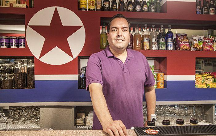Après que l'ambassadeur nord-coréen a été déclaré persona non grata en Espagne, Alejandro Cao de Benos, délégué spécial chargé des relations nord-coréennes avec l'étranger et seul représentant occidental de Pyongyang, a fustigé Madrid pour son «absence de souveraineté».