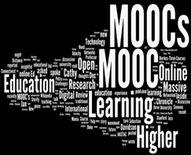Τα MΟΟCs (Massive Open Online Courses), που χρησιμοποιούνται στην τριτοβάθμια εξ αποστάσεως εκπαίδευση, είναι ανοιχτές διαδικτυακές  πλατφόρμες  που ενθαρρύνουν τη μαζική εγγραφή και διαδραστική συμμετοχή οποιουδήποτε ενδιαφερομένου στην  απόκτηση γνώσης