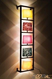 Kare Design Parecchi Wandlamp is gebaseerd op de klassieke lampenkap. De vrolijke designs en de moderne, frisse kleuren van de lampenkappen worden gecombineerd met verrassende toepassingen van plafond- en wandhouders. De absolute eyecatcher binnen het Kare Design assortiment bestaat uit een collage van 5 verschillende katoenen lampenkappen die gezamenlijk één unieke lamp vormen. Een zeer aantrekkelijke, maar ook kwalitatief zeer goede designlamp voor een betaalbare prijs.