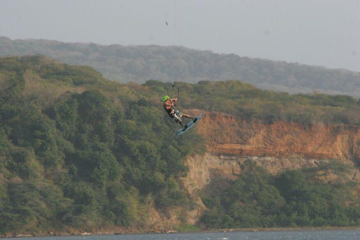 Fly! Kitesurf en Puerto Velero