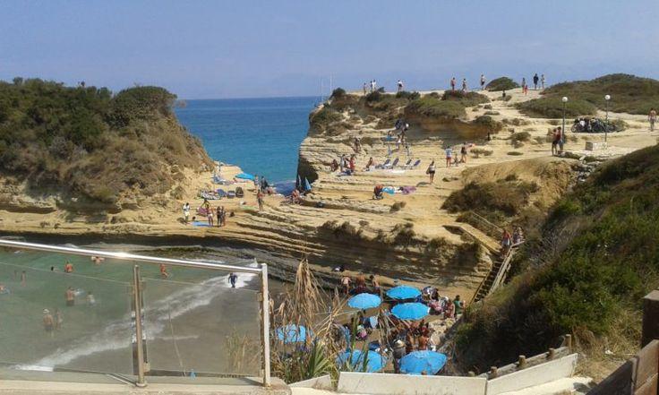 Minęło już dwa tygodnie od mojego powrotu z wakacji, lecz dopiero ogarnąłem się na tyle, by napisać coś o ostatnim pobycie. #grecja #podróże #corfu #korfu #kerkyra #sidari
