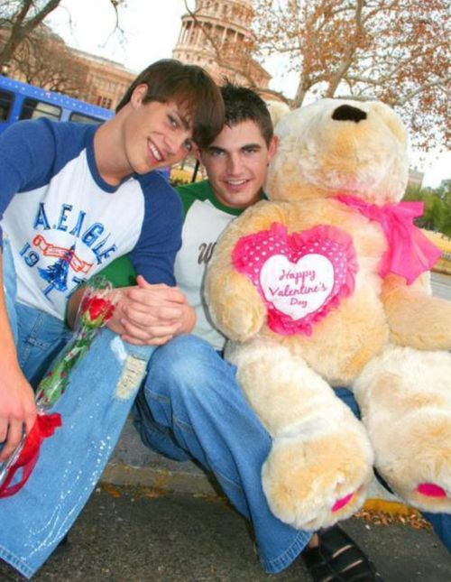 Colton Haynes dated Jerreth Ludwig….: Colten Haynes, My Gay Fantasy, Colton Haynes Funny, Valentines Day, Ex Bf Valentines, Gay Valentines, Happy Gay, Casal Gay, Gay Memorabilia