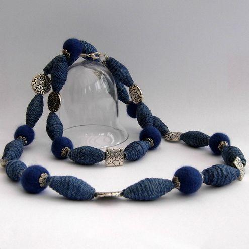 Denim-Perlen.  Machte die gleiche Weise wie die Zeitschrift Perlen in mein Handwerk-Ordner.