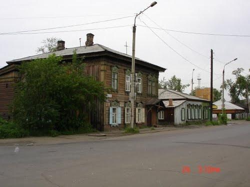 Typical houses Irkutsk, Russia by Jeroen Rosengarten