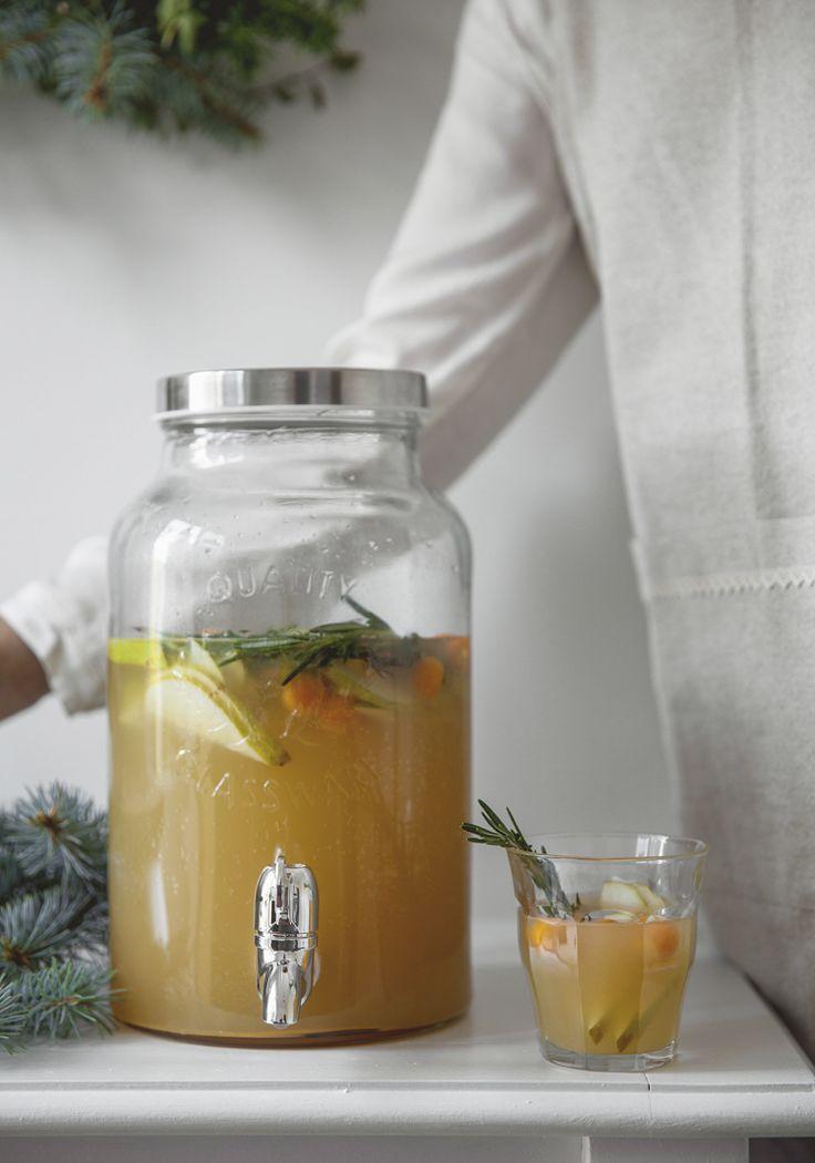 Tout ce qui est écrit dans la liste des ingrédients de cette recette se trouve facilement dans toutes les épiceries, notamment le nectar de poire qui est juste un terme « fancy » pour désigner le jus de poire.