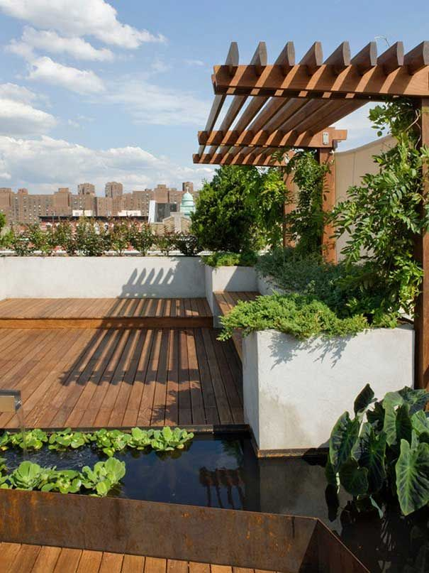 Gorgeous Modern Roof Garden Ideas With Wood Material And Koi Fish Pool In Roof Garden