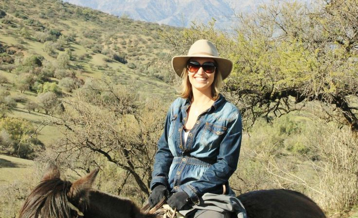 Horseback riding in the Cordillera - Andes foothills