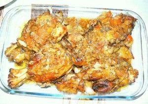 Χοιρινό κότσι στο φούρνο με λαχανικά