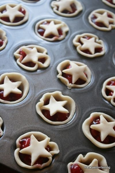 These are the easiest pie tartlets ever, especially if you use store-bought refrigerated pie crust. | 31 Last-Minute 4th Of July Decorating Tricks