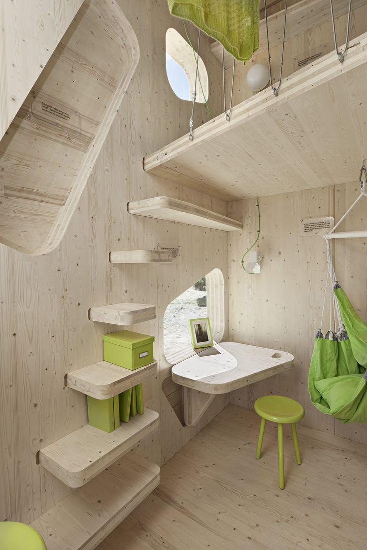 Миниатюрный, мобильный дом для студентов ручной сборки / Мобильное место для проживания студентов — миниатюрный дом из экологически чистых материалов, собираемый вручную.