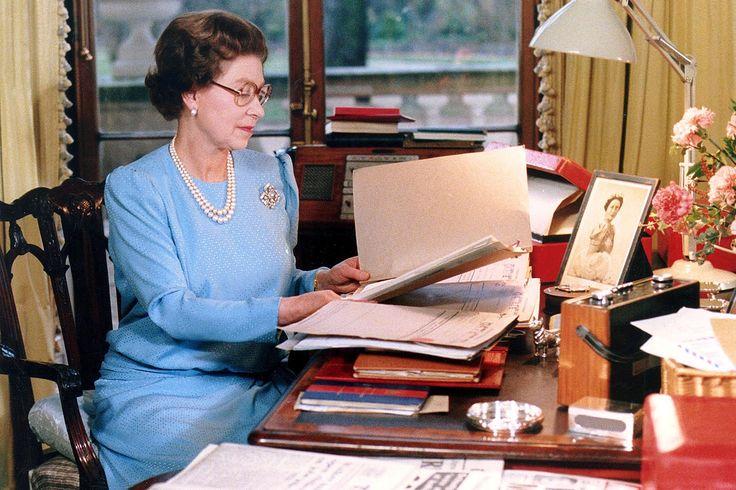 Queen Elizabeth. Часть 5. (1977-1987). Обсуждение на LiveInternet - Российский Сервис Онлайн-Дневников