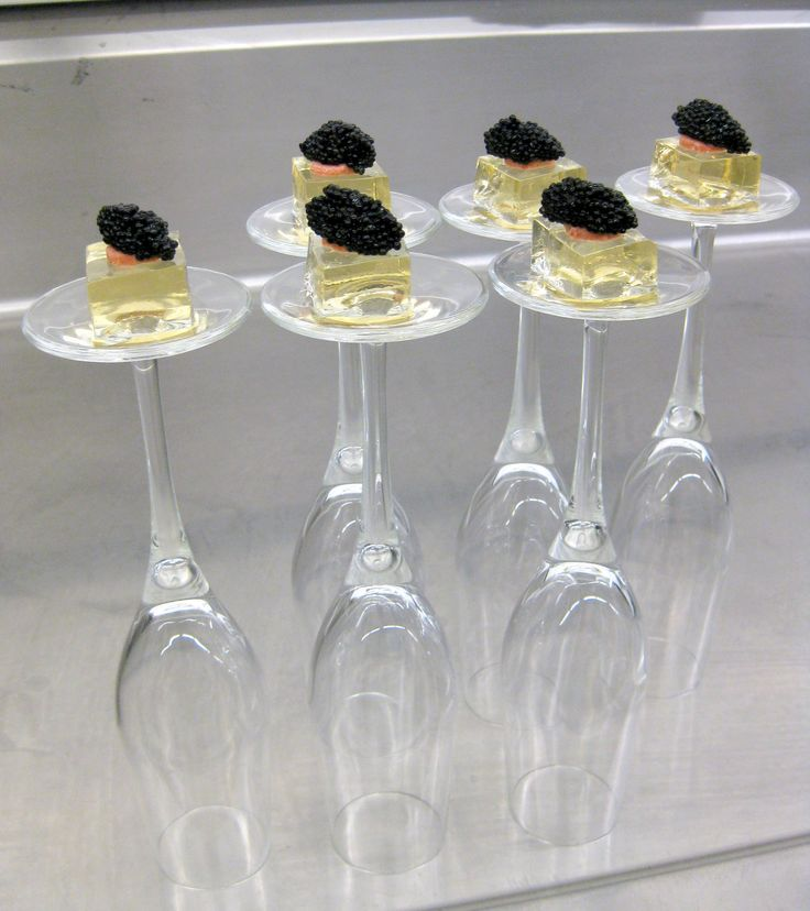 Gelatina de champán con caviar
