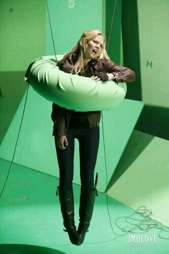 Once Upon A Time behind the scenes... This picture is actually hilarious XD