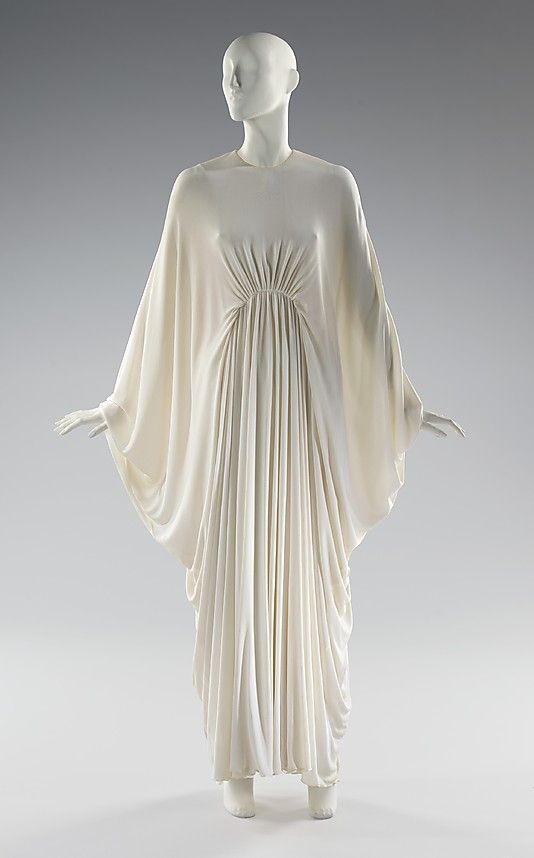 George Peter Stavropoulos (American, born Greece, 1920–1990). Evening dress, ca. 1972.  The Metropolitan Museum of Art, New York. Brooklyn Museum Costume Collection at The Metropolitan Museum of Art, Gift of the Brooklyn Museum, 2009; Gift of Mildred Custin, 1975 (2009.300.2913)
