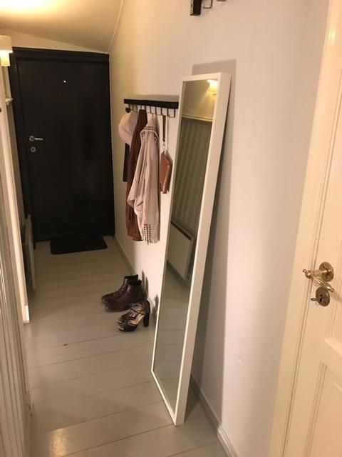 Leilighet, 2 roms (43m²) | Kroken 3, Bergen | Månedsleie: 8500,- | Flott beliggenhet i Kroken. Leiligheten ligger i første etasje, og har egen inngang. Felles bakhage ... | 161485