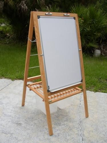 Teacher's Easel. I wish someone would make this for me!