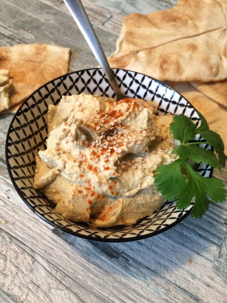 Urlaubs-Feeling mit leckerem Hummus – Isa's Kitchen