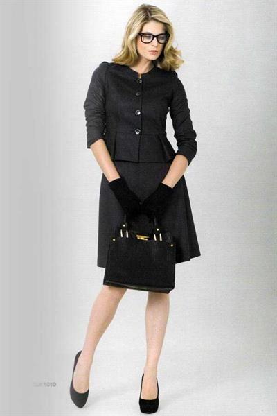 Женский юбочный деловой костюм