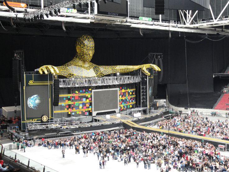 Het concert werd gehouden in de Amsterdam Arena. Hierdoor konden de ...