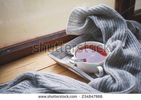 Sweater Warm zdjęć stockowych, obrazów i zdjęć | Shutterstock