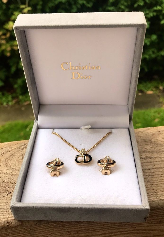 Christian Dior Jewelry Set Necklace Pendant Clip On Earrings Gold