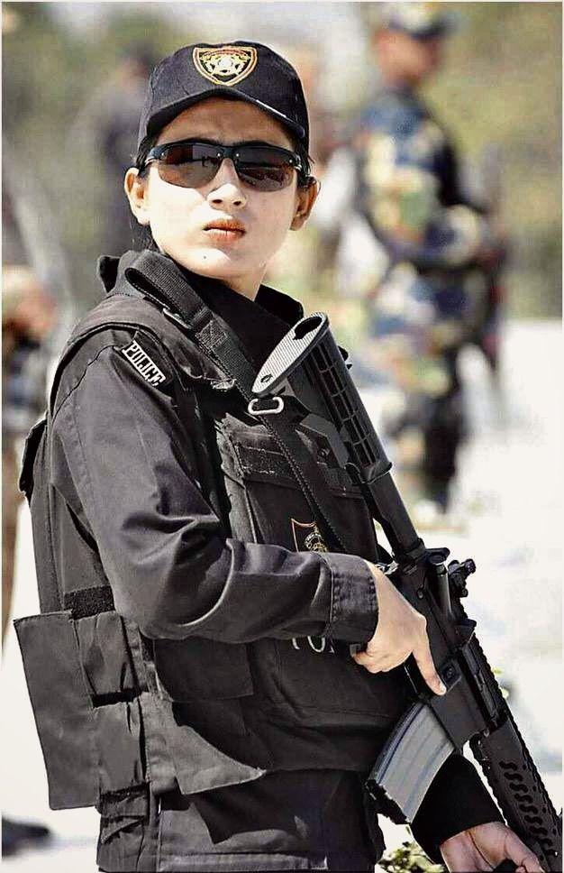 Women Police Commandos In Karachi Pakistan Pinterest