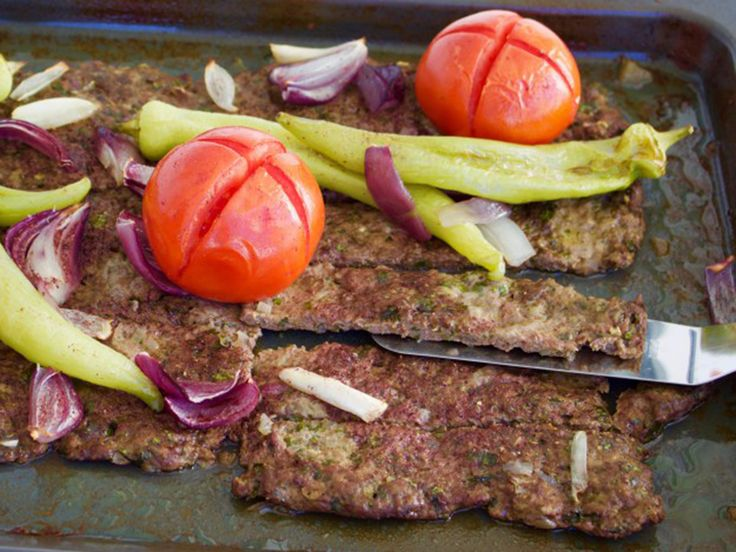 Kafta - lättlagad köttfärskebab i långpanna | Recept från Köket.se