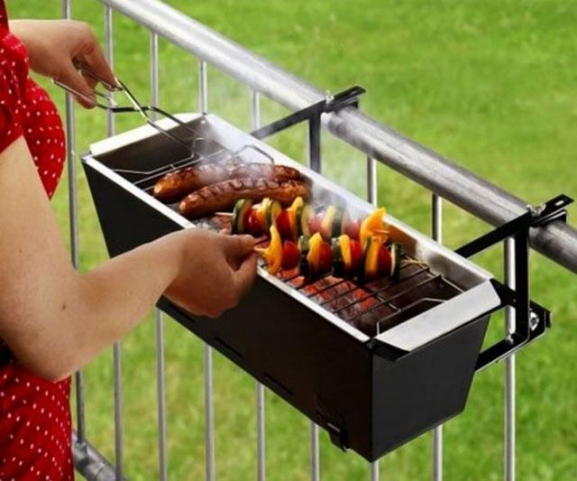 This is more for present Andrea who lives in an apartment :) Balcony Barbecue! This website is quite addicting.