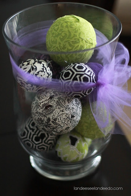 Fabric balls- can even be for the Christmas Tree.. diy ornaments