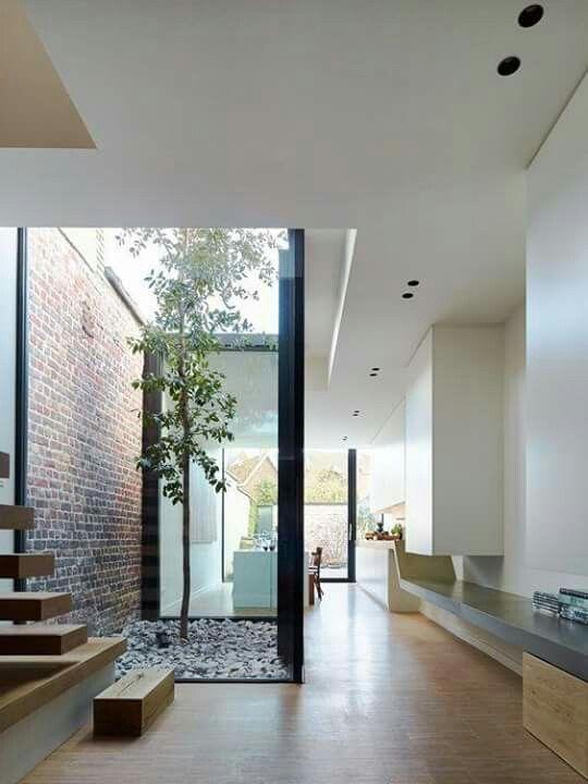 25 beste idee n over binnentuin op pinterest atrium tuin bamboetuin en grind pad - Moderne tuin ingang ...