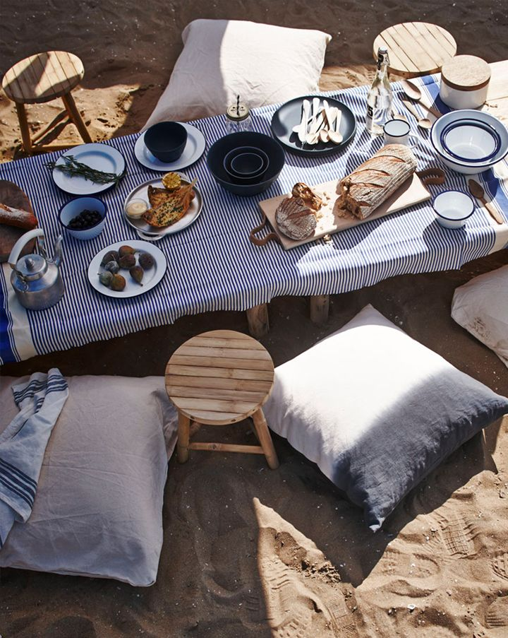 Outdoor dining on the beach