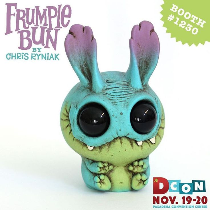 Peacock Frumplebun is coming to Designer Con at the Pasadena Convention Center Nov 19-20!  Come on by my booth with @amandalouisespayd  for LOTS of new stuff! Toys, figures, pins, stickers, original art and more!! Tickets are available at designercon.com  Hope to see you there!! 🎉 #designercon2016  #dcon #dcon2016
