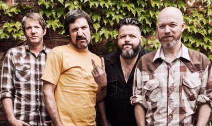 """La legendaria banda australiana de punk rock The Meanies vuelven con """"It's not me, it's you"""", su nuevo disco en 21 años."""