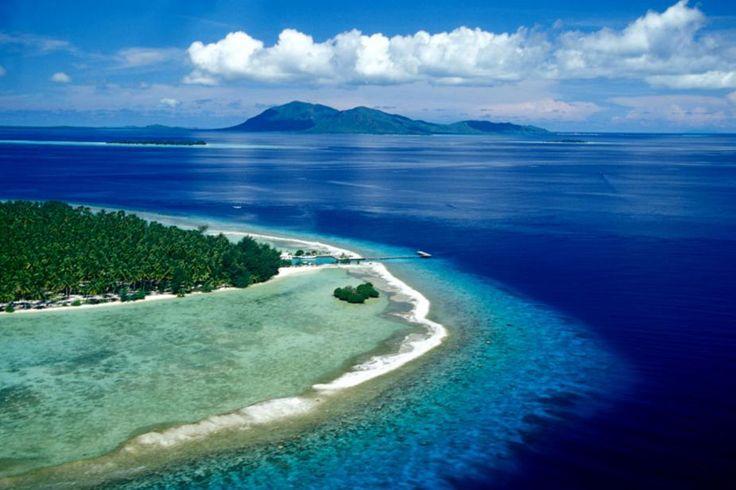 KARIMUN JAVA ISLAND , INDONESIA It is one of nine National Marine Park in Indonesia , Karimunjawa consists of 27 islands .