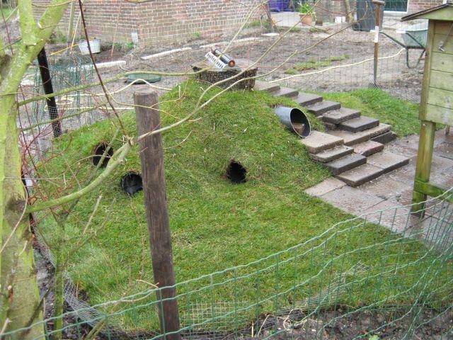 Hallo, van het voorjaar wil ik beginnen met het maken van een konijnenheuvel. ik heb een hond en om de konijnen toch de vrijheid te kunnen geven die ze verd...