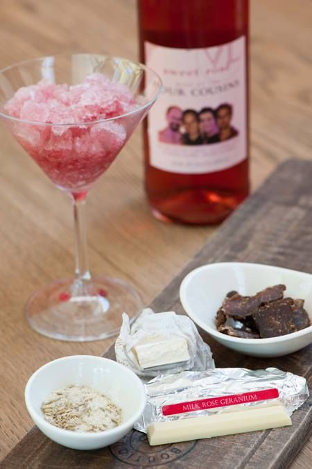 Are you the 5th cousin? Try this delicious #4cousins pairing this #WackyWine! #Ways2Wacky