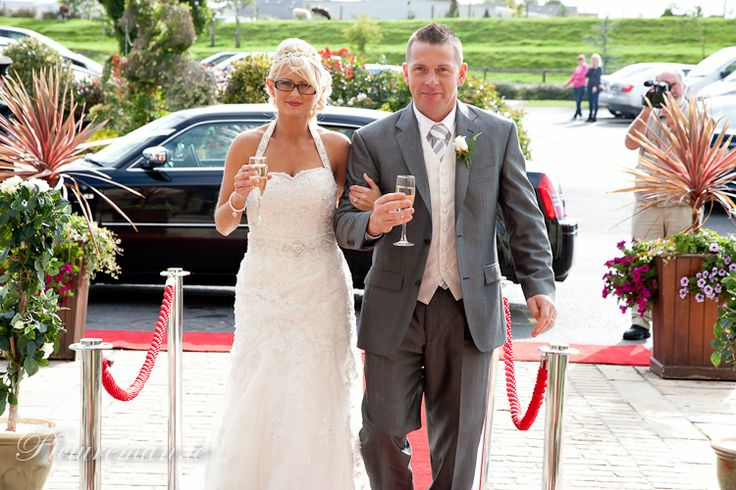 The red carpet was out for the Champage arrival for newly weds, Elaine & Kenneth