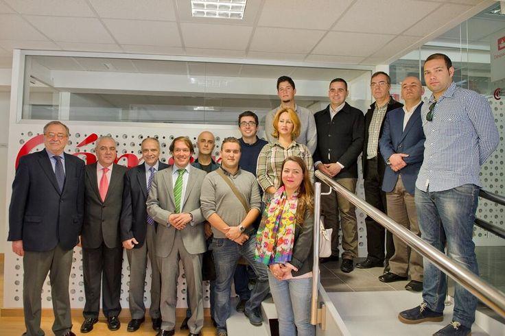 Y puedes crear tu empresa en una hora en La Palma gracias a la Vue  http://bit.ly/1kft5Rz pic.twitter.com/gUWMGwoFBG