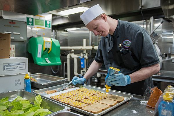 53 best navy food and flavor images on pinterest military culinary specialist class robert lockerman from milton del prepares sandwiches for sailors aboard the u navys only forward deployed aircraft carrier forumfinder Images