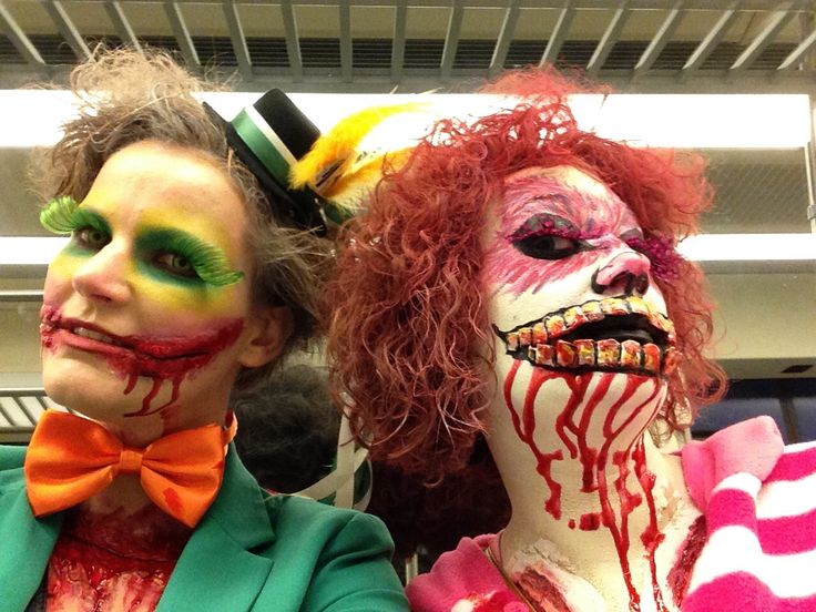 Gekke hoedenmaker en scary cat Alice in wonderland zombiewalk 2015