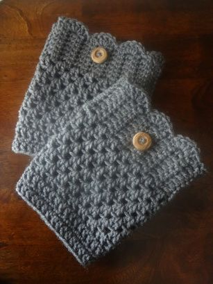 I found the tutorial for these boot cuffs here, and the pictures on that link are quite helpful. The cuffs are super cute and pretty simple ...