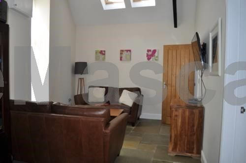 Sheldon Barn Bideford Sheldon Barn is a holiday home with a barbecue, located in Bideford, 4.1 km from Lundy Island. Guests benefit from patio. Free private parking is available on site. There is a seating area and a kitchen equipped with a dishwasher.
