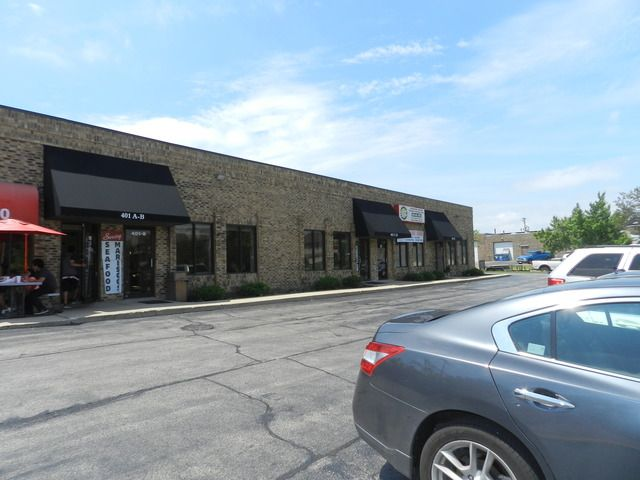 One unit of 1000sf with frontage on Fullerton Avenue in a small industrial & professional strip center. Unit has individual utilities, offices, storage and 12' overhead doors. Plaza is located near businesses, industrial and residential area. Other tenants include a Mexican Restaurant, Mediterranean Restaurant and a recycling center. Ideal for almost any business.