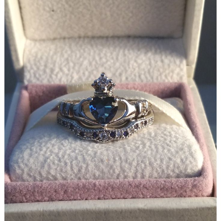 Silver Claddagh Wedding Engagement Ring Set - PixieCove - 2