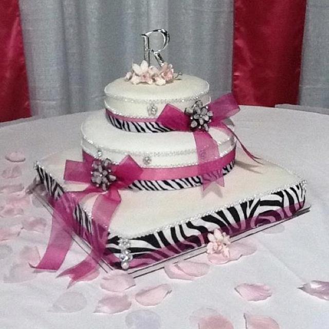 Best 25 zebra wedding ideas on pinterest pink zebra cakes diy blinged out zebra wedding cake i did junglespirit Images